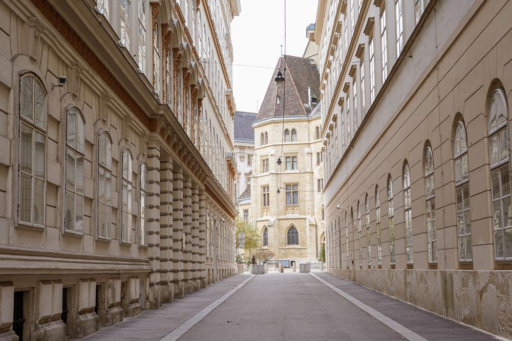 Minoritenplatz alley in Vienna