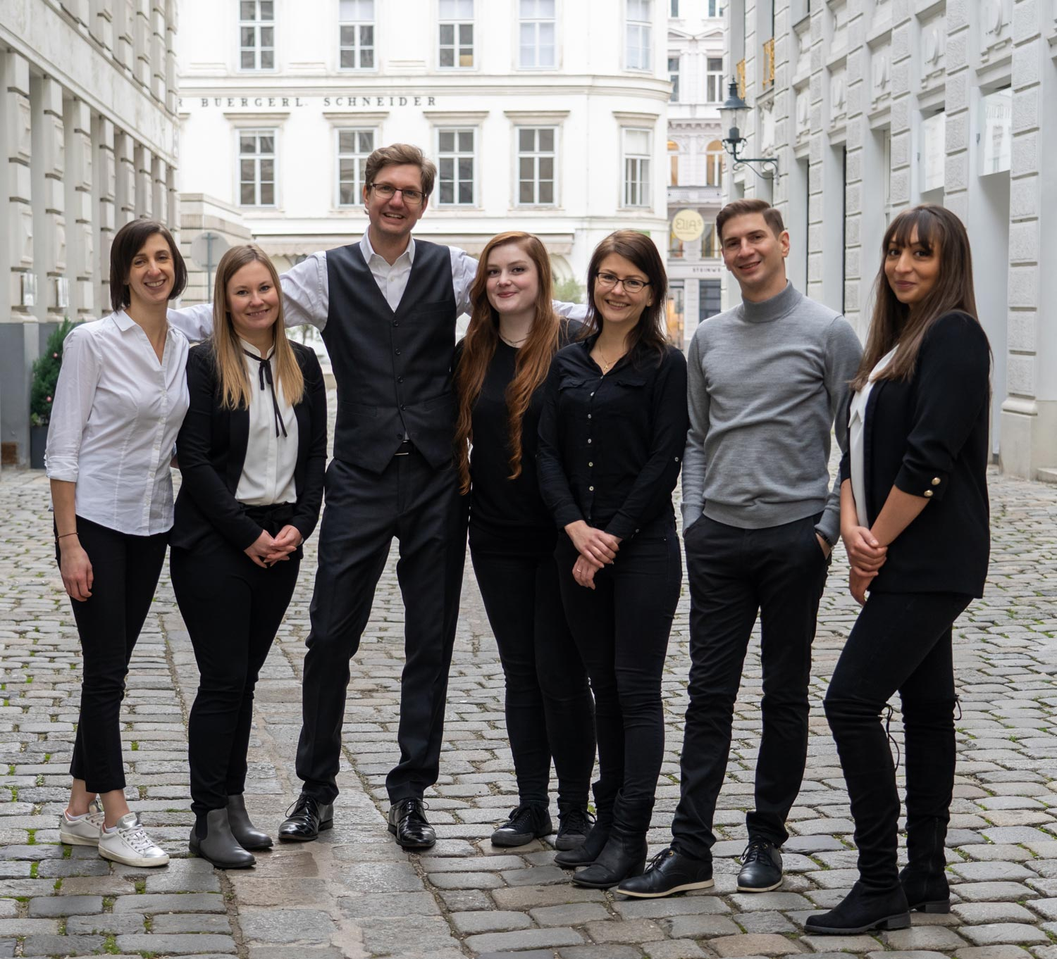 convival Immobilien second group photo