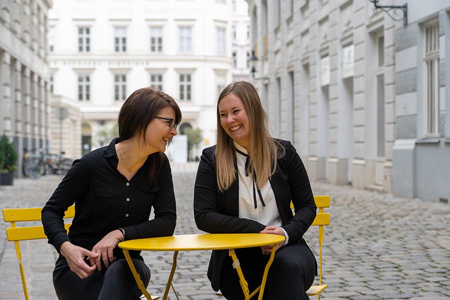 convival Team - Jasmin & Julia